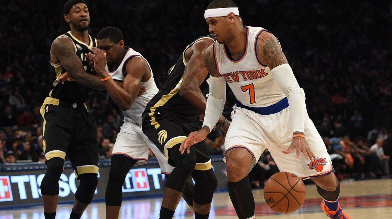 New York Knicks forward Carmelo Anthony dribbles the