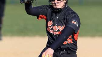 Carey pitcher Rebecca Vilchez throws during a game