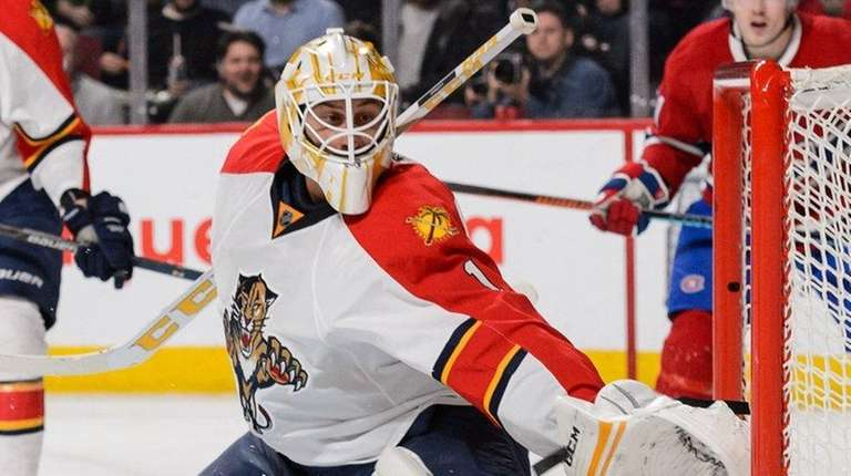 Florida Panthers goaltender Roberto Luongo stretches out