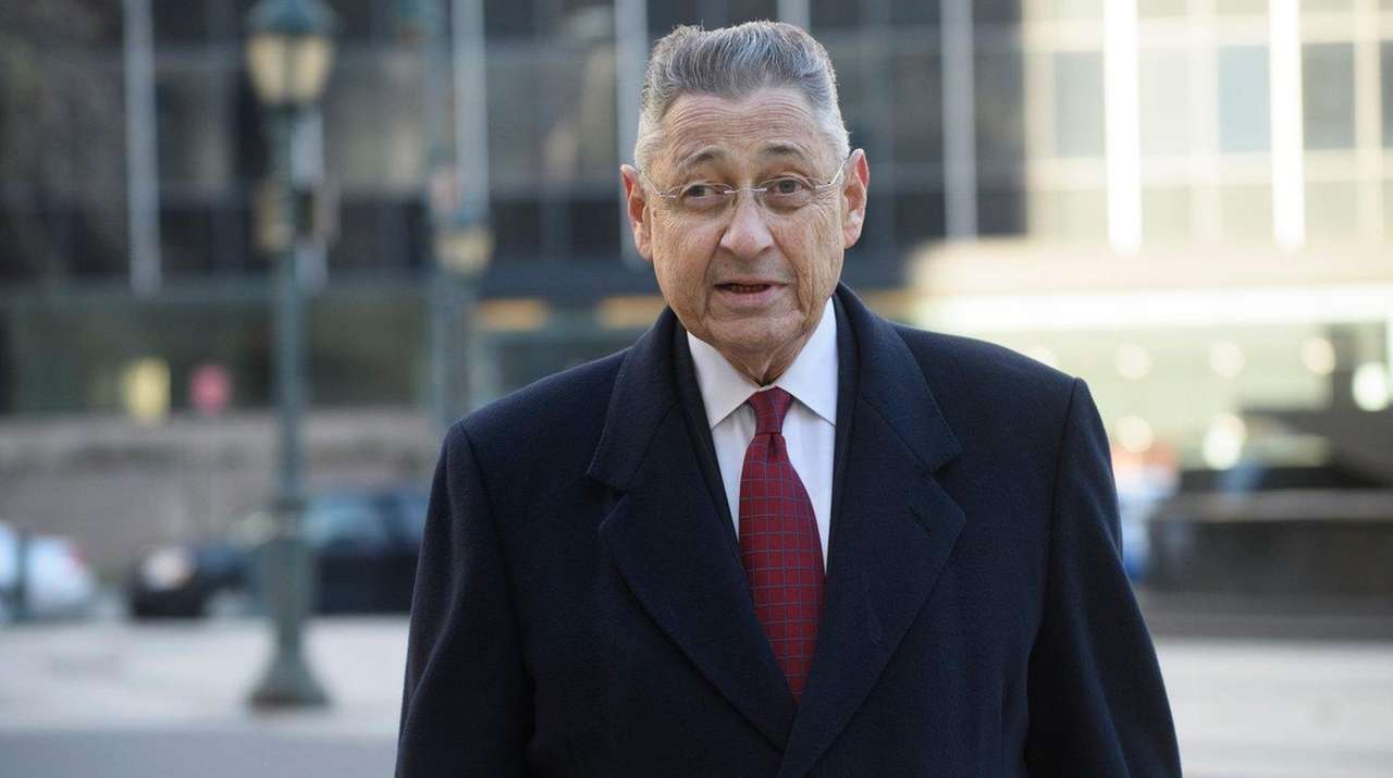 Former Assembly Speaker Sheldon Silver arrives at federal
