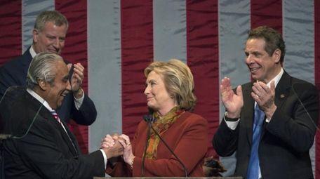 Mayor Bill de Blasio, left, and Gov. Andrew