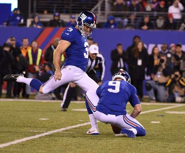 New York Giants kicker Josh Brown (3)