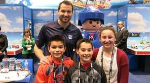 Rangers left winger Rick Nash with Kidsday reporters,