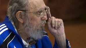 Fidel Castro addresses delegates on the last day