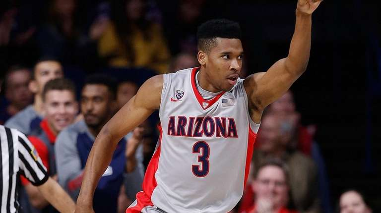 Justin Simon #3 of the Arizona Wildcats