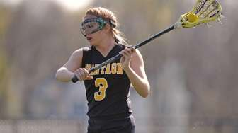 Madison Conway of Wantagh makes a pass during