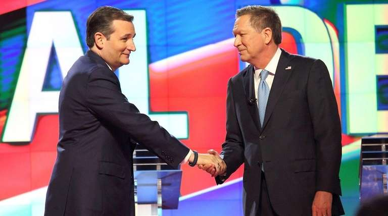 Republican presidential candidates Ted Cruz, left, and