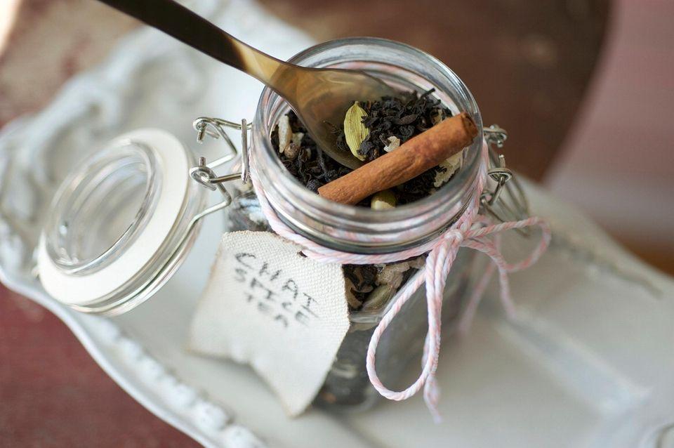CHAI SPICE TEA1/2 cup loose black tea1/4 cup