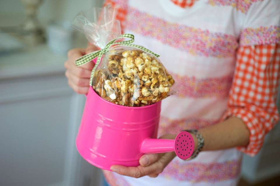 CARAMEL CASHEW COCONUT POPCORN6 cups popped popcorn (from