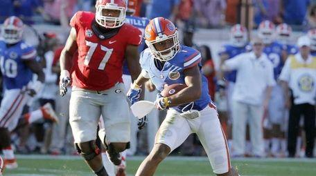 Florida defensive back Vernon Hargreaves III returns a