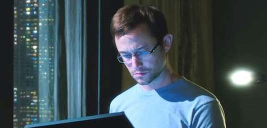Joseph Gordon-Levitt stars as controversial CIA whistle-blower Edward
