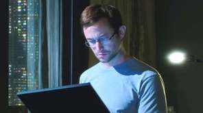 Joseph Gordon-Levitt stars as controversial CIA whistle-blower Edward