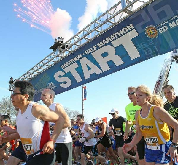 Runners start the 2015 Long Island Marathon at