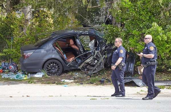 Manorville Driver Loses Control Hits Fence Tree Cops