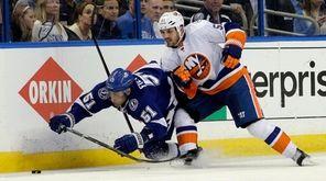 The New York Islanders' Casey Cizikas (53)