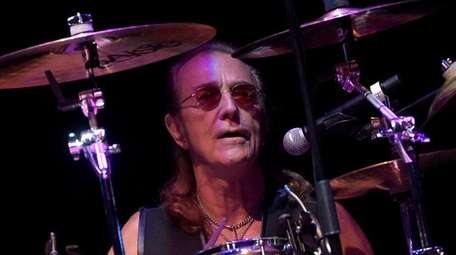 Roger Earl of Foghat will also bring his