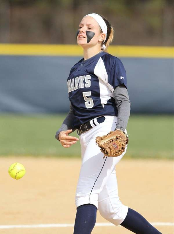 Eastport South Manor's Marissa Rizzi (5) throws pitch