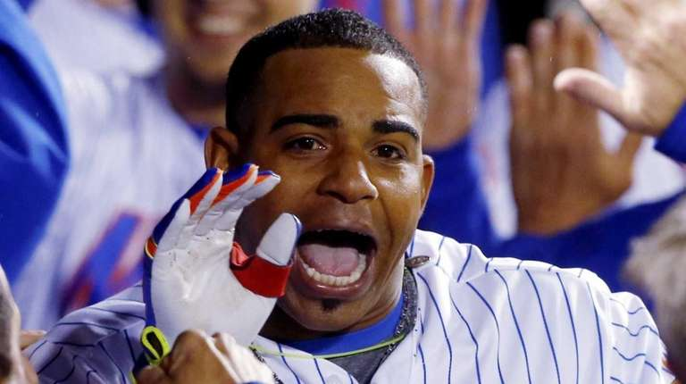 Yoenis Cespedes #52 of the New York Mets
