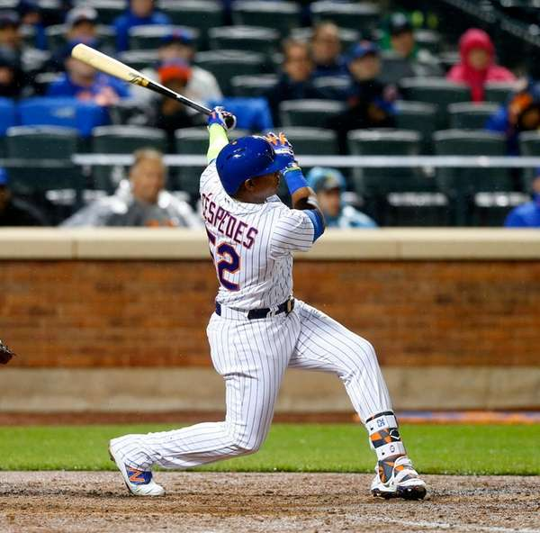 Yoenis Cespedes drives a grand slam to leftfield