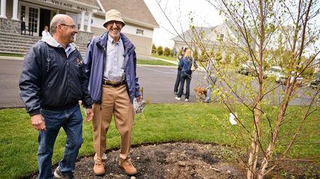 Asharoken Mayor Greg Letica, left, and Marty Cohen,