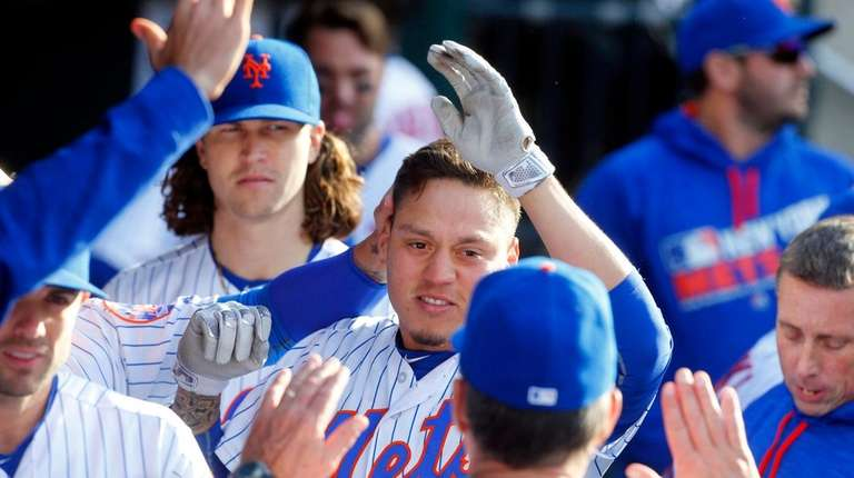 Wilmer Flores #4 of the New York Mets