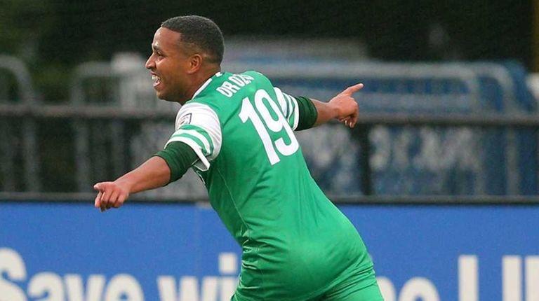 New York Cosmos midfielder Yohandry Orozco (19) reacts