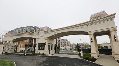 The new Ritz-Carlton condominium complex in North Hills