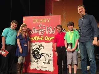 Author Jeff Kinney with Kidsday reporters (l) David