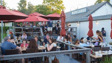 Blue Canoe Oyster Bar & Grill in Greenport