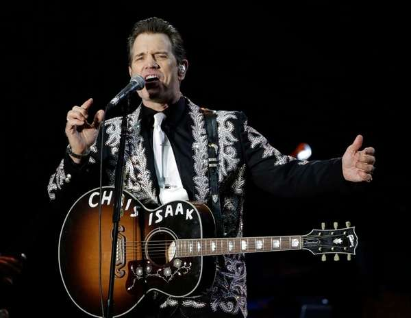 Chris Isaak will play the NYCB Theatre at