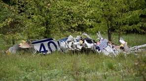 A small plane carrying three people crashed