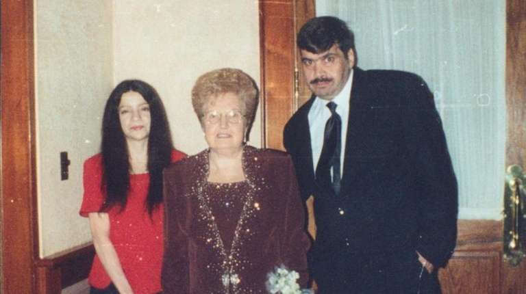 Susan Marie and Bob Davniero with his mother,