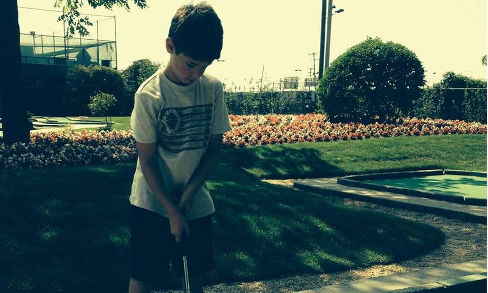 Moms can mini-golf for free at Five Towns