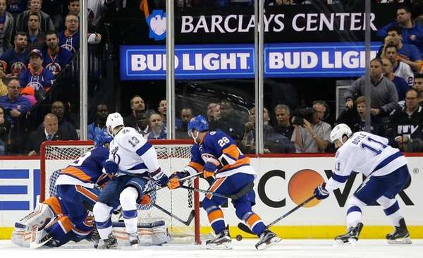 Tampa Bay Lightning center Brian Boyle (11) takes