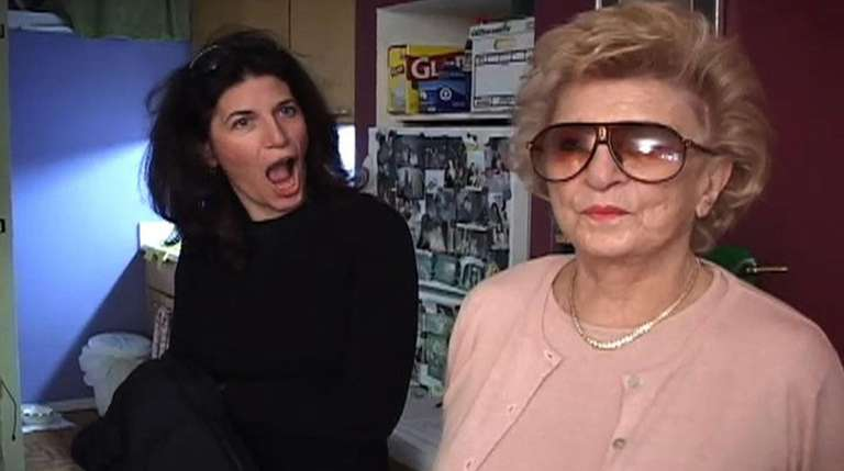 Gayle Kirschenbaum and her mother, Mildred Kirschenbaum, seek