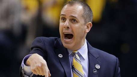Indiana Pacers head coach Frank Vogel shouts