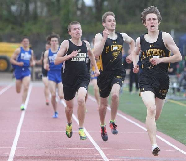 Freddie Buckholtz of St. Anthony's wins the 1,600-meter