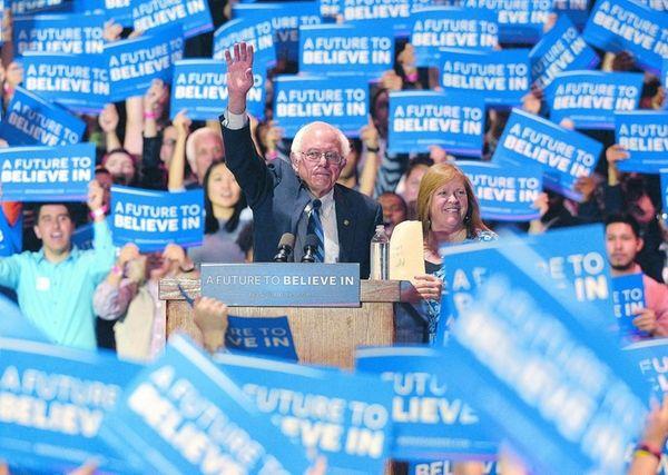 Democratic presidential candidate, Sen. Bernie Sanders and his