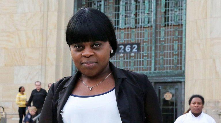 Annika McKenzie, 35, leaves the Nassau County Courthouse