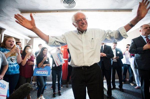Democratic presidential candidate, Sen. Bernie Sanders, (I-Vt.), speaks