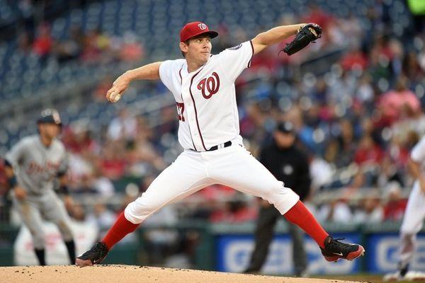 Stephen Strasburg #37 of the Washington Nationals pitches