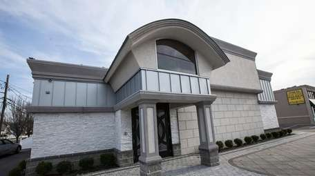 Attorneys and Bellmore Strip Club owner Billy Dean