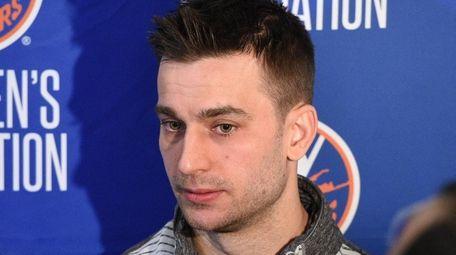 New York Islanders center Frans Nielsen speaks with