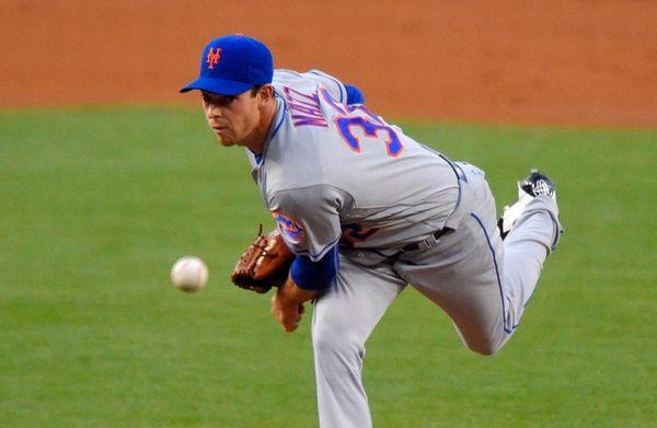 New York Mets starting pitcher Steven Matz throws