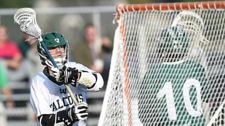 Locust Valley attacker Mike Madsen rounds the cage