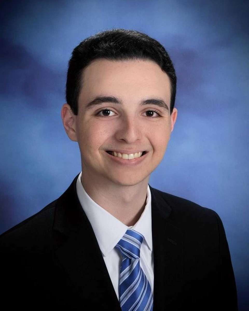 MICHAEL COLLET, SYOSSET HIGH SCHOOL Hometown: Woodbury GPA: