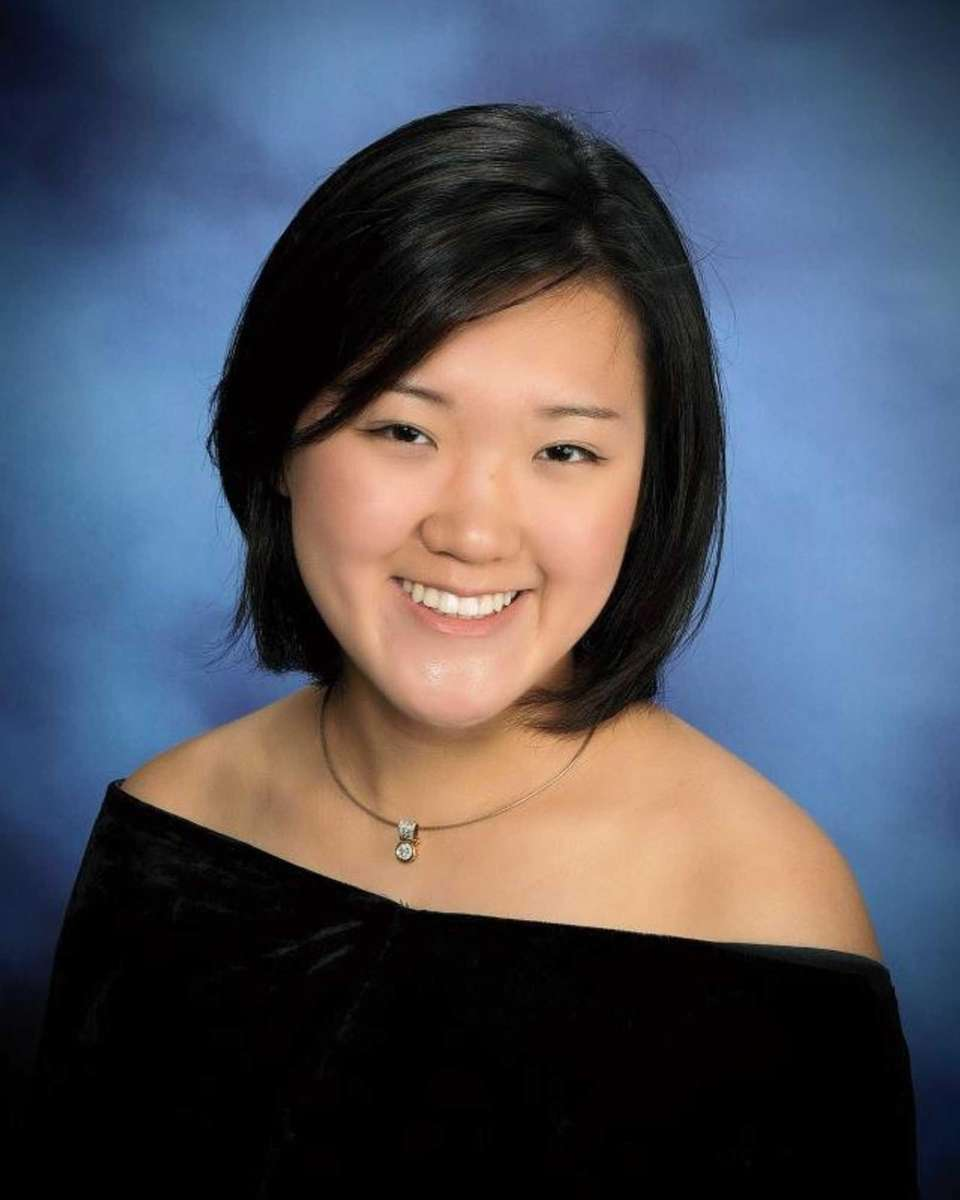 HANNAH KIM, WEST ISLIP SENIOR HIGH SCHOOL Hometown: