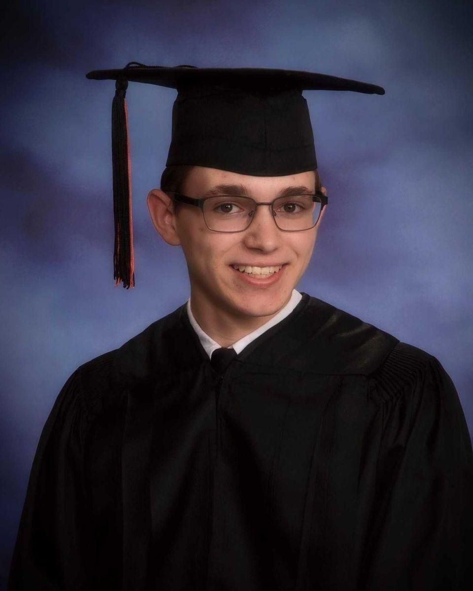 MATTHEW CIMINO, HICKSVILLE HIGH SCHOOL Hometown: Hicksville GPA: