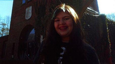 Kidsday reporter Charlotte DeSimone of Oakdale in the