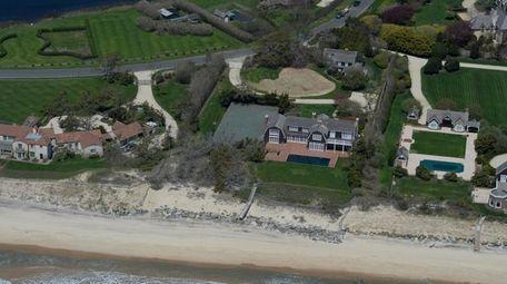 David Geffen has purchased this 2-acre East Hampton
